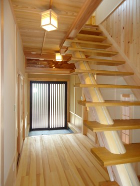 丸太を使った階段