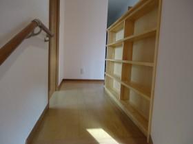 階段腰壁書庫